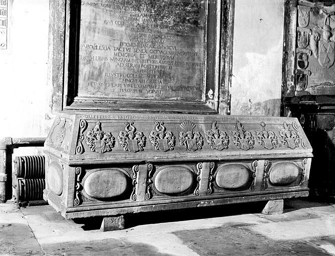 Sarcophage de Fréderic E. de A.