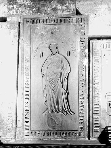 Pierre tombale de Jean de Risbotte
