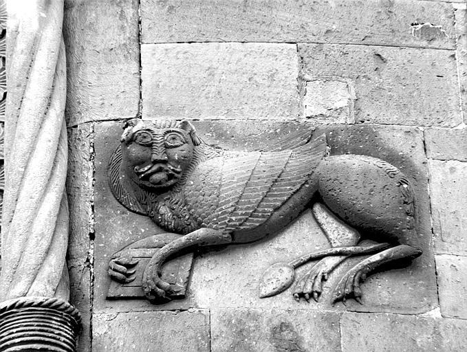 Abside : lion de saint Marc