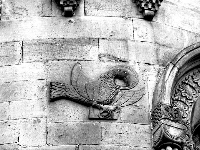 Abside : aigle de saint Jean