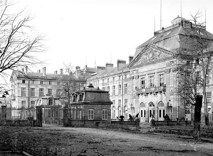 Centre de la façade ouest