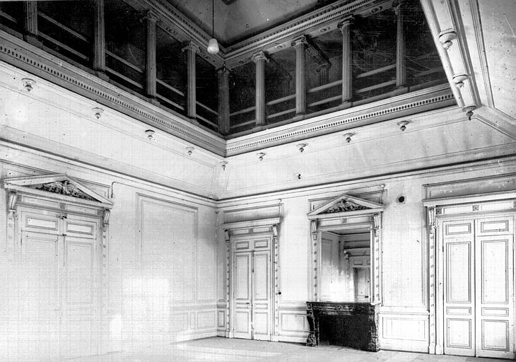 Grande salle du premier étage