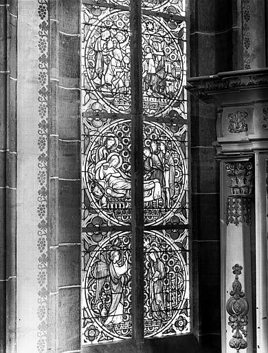 Vitrail de l'abside : Baptême du Christ, Annonciation, Nativité, les Mages