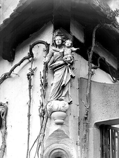 Portail : Vierge à l'Enfant