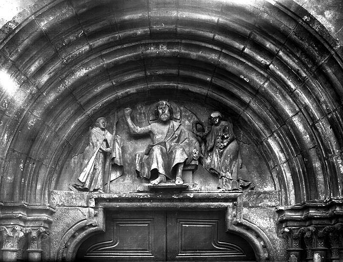 Portail de la façade nord, tympan moderne : Christ entre deux anges