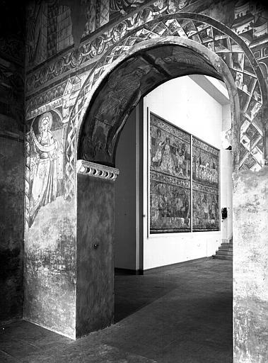 Relevés de fresques : arcade contre choeur et nef