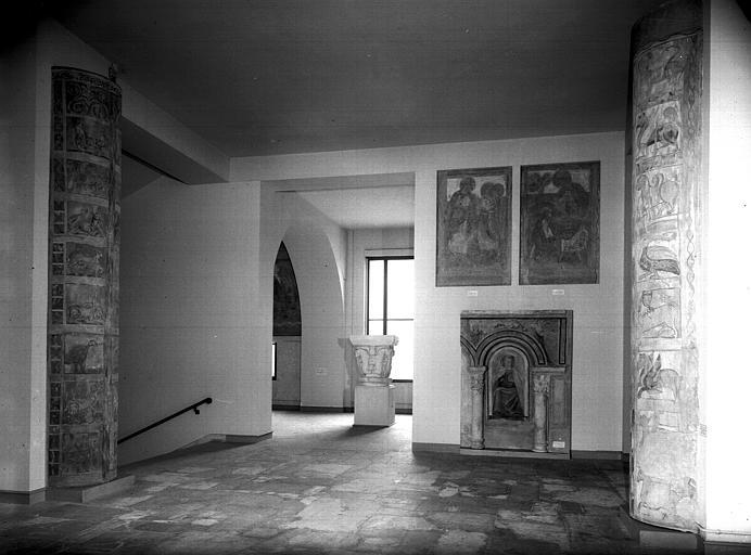 Relevés de fresques : ensemble d'une salle de l'ancien musée de la fresque consacrée à Saint-Savin