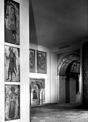 Relevés de fresques : ensemble des salles de l'ancien musée de la fresque consacrées à Montoire et Saint-Savin