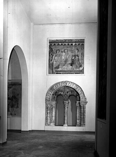 Relevés de fresques : ensemble des salles de l'ancien musée de la fresque consacrées à Souday et à l'église Saint-Aubin d'Angers