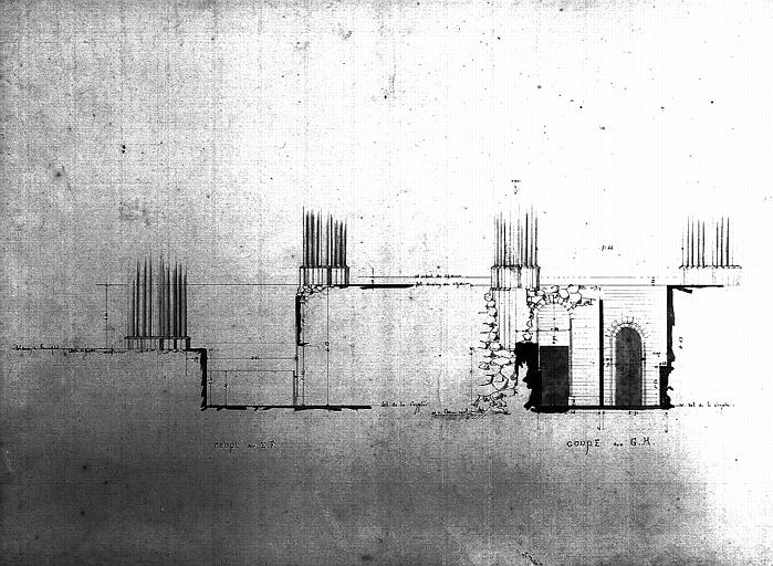 Plan : coupe de la fondation des piles du transept et du choeur, côté nord