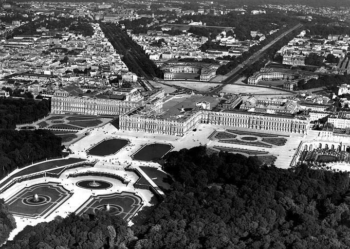 Vue aérienne : côté parc vers la ville