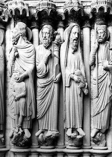 Porche nord, ébrasement à dextre : Abraham, Moïse, Samuel et Saül