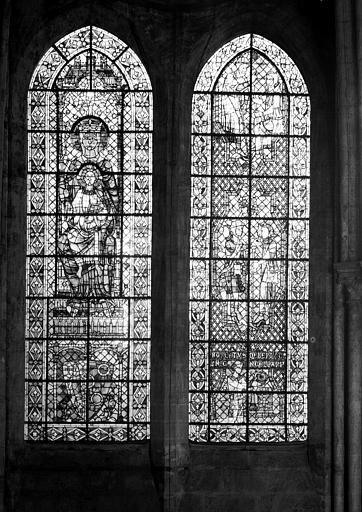 Vitrail, baies 133 et 134 : pélerins de saint Jacques et la Vierge à l'Enfant