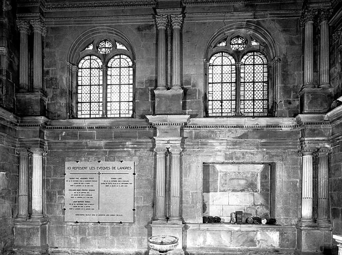 Chapelle d'Amoncourt : mur nord