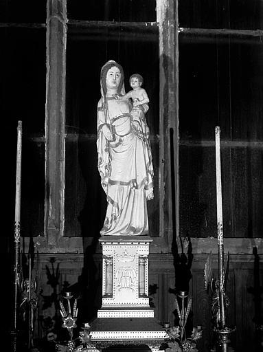 Statue de la chapelle axiale : Notre Dame la Blanche