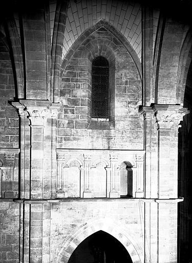 Croisillon sud, vue de la fausse galerie et des pilastres