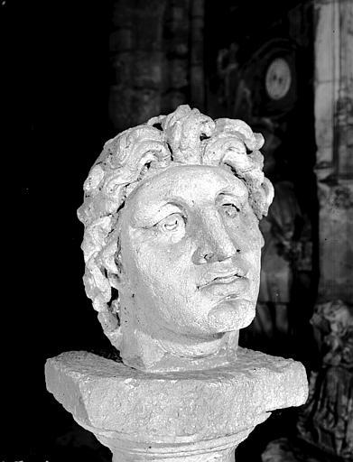 Tête gallo-romaine peut-être d'Apollon