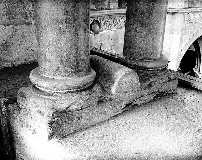 Triforium : base de colonnettes