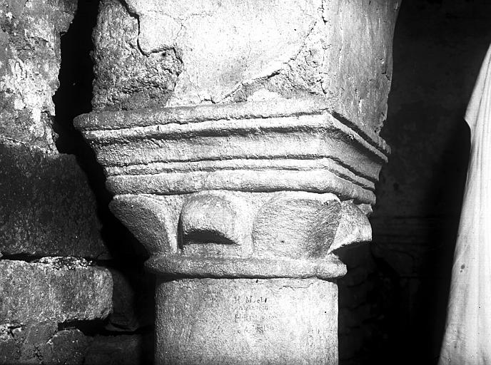 Crypte : chapiteau