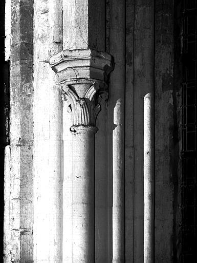 Chapiteau et colonne du choeur