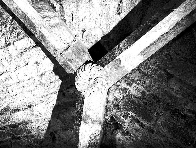 Rampe d'accès, clef de voûte : écu
