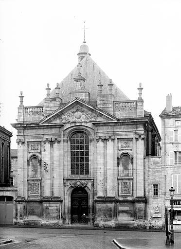 Chapelle, façade