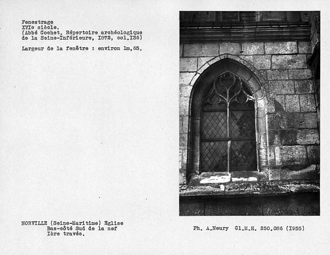 Fenestrage restauré du bas-côté sud de la nef, fenêtre de la première travée