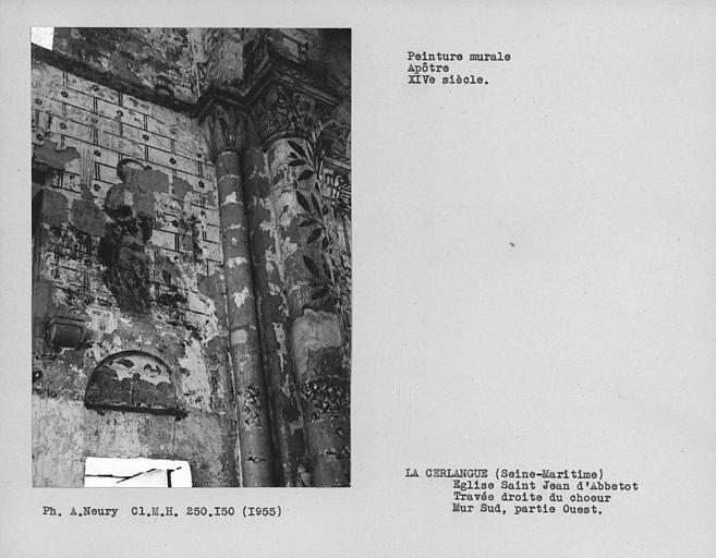 Mur sud de la travée droite du choeur, peinture murale côté droit : un apôtre