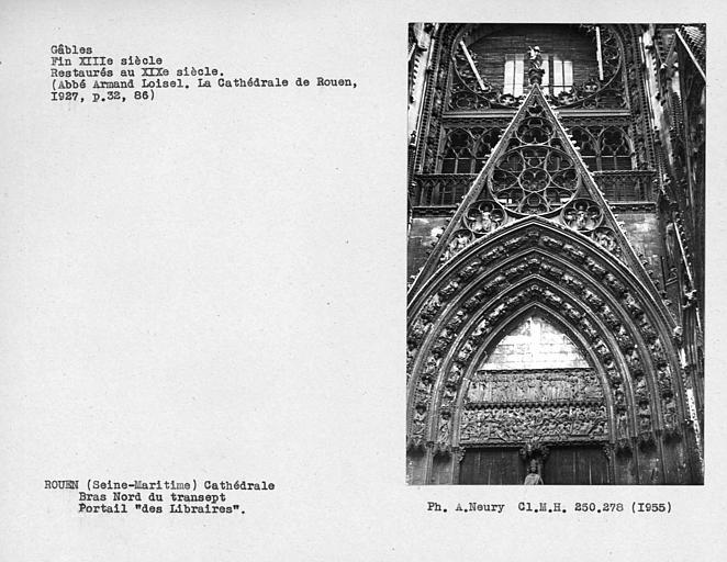 Fenestrages du bras nord du transept, restaurés au XIXe siècle, portail des 'Libraires'