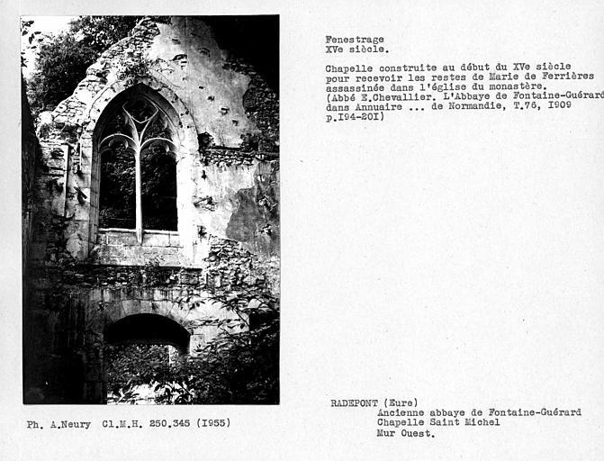 Fenestrage ouest de la chapelle Saint-Michel