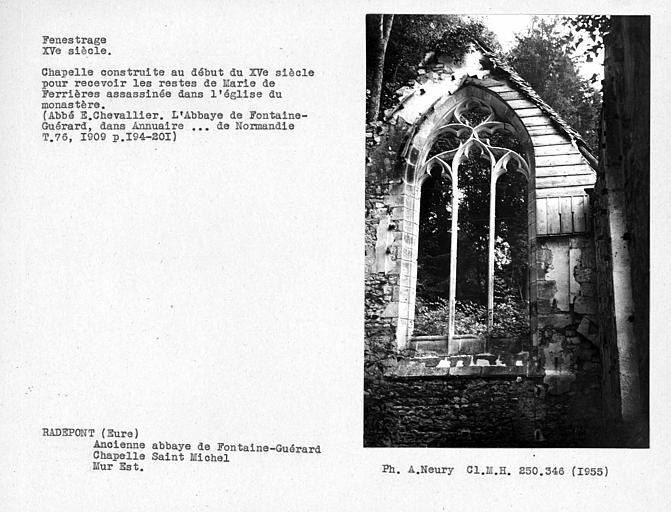 Fenestrage est de la chapelle Saint-Michel
