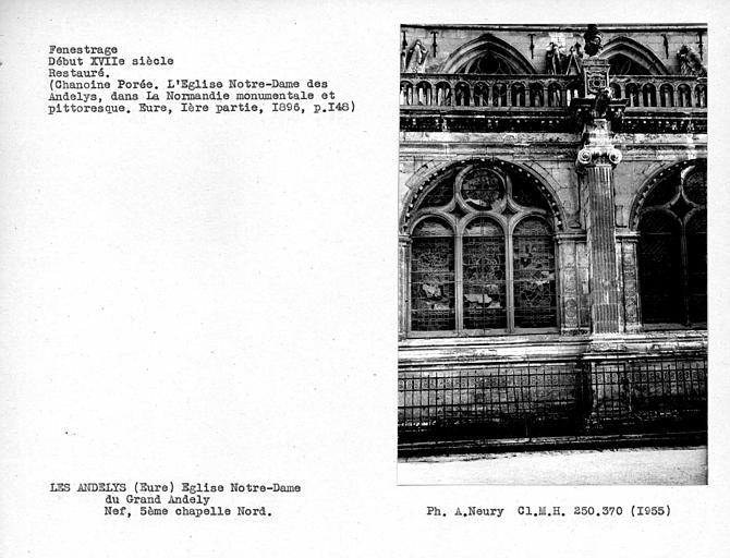 Fenestrage restauré de la cinquième chapelle côté nord de la nef