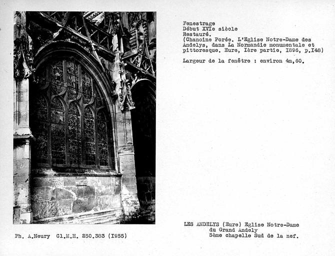 Fenestrage restauré de la cinquième chapelle côté sud de la nef