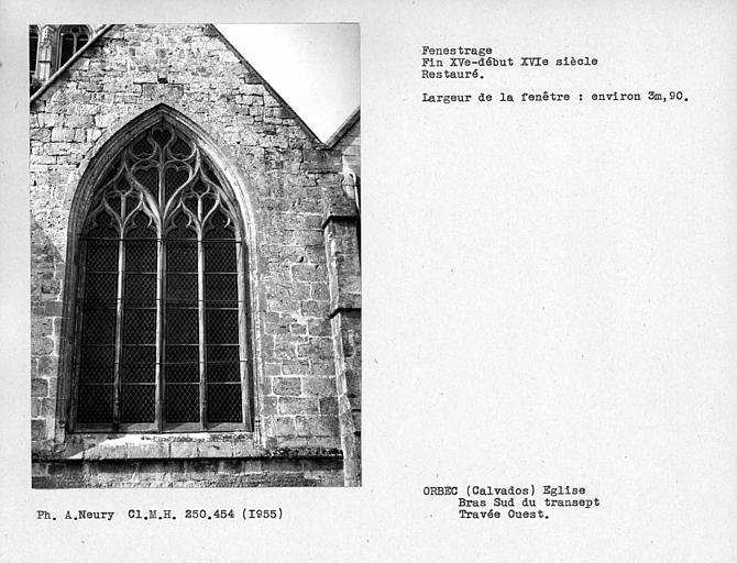 Fenestrage restauré de la travée ouest du bras sud du transept