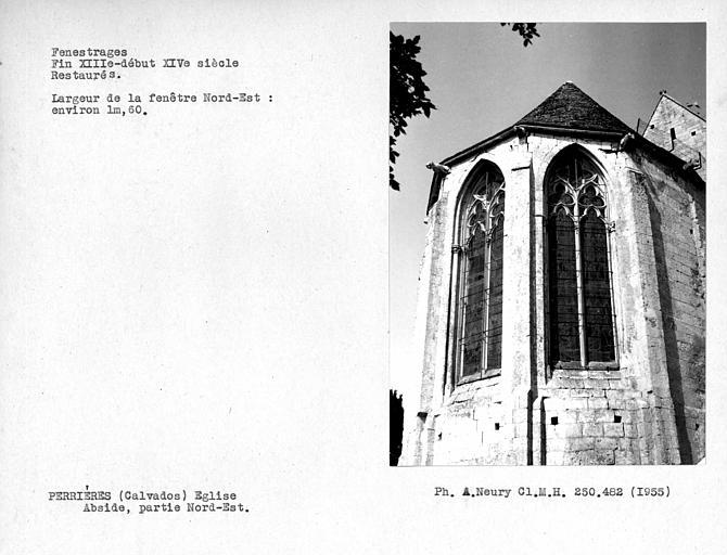 Fenestrages nord-est de l'abside, fenêtre nord-est restaurée