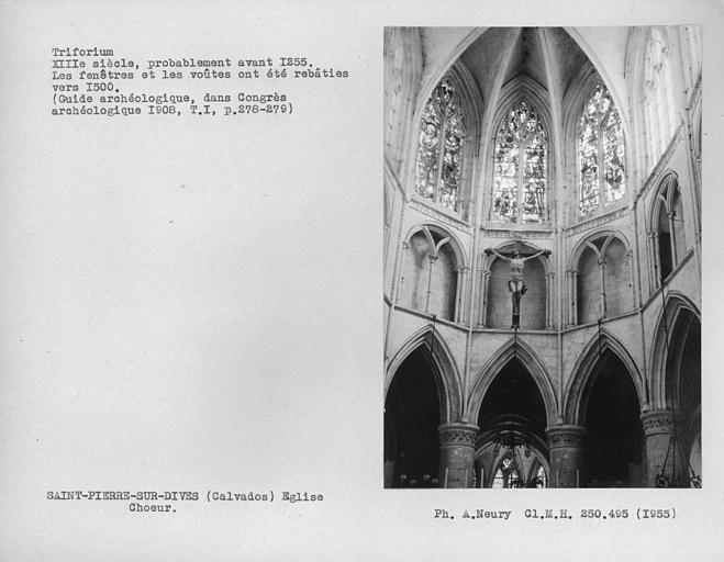 Intérieur des fenêtres hautes du choeur, triforium