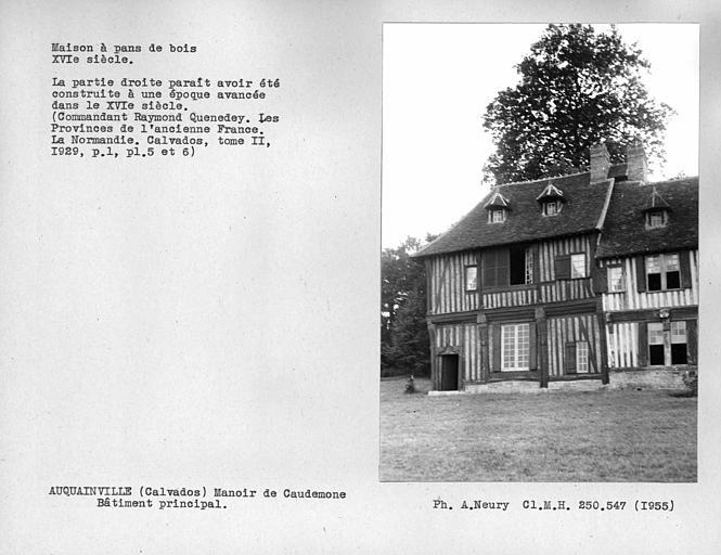 Maison en pan-de-bois, partie gauche du bâtiment principal et lucarnes