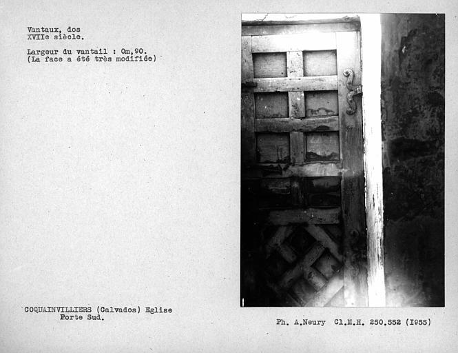 Dos des vantaux de la porte sud sous le clocher, face restaurée
