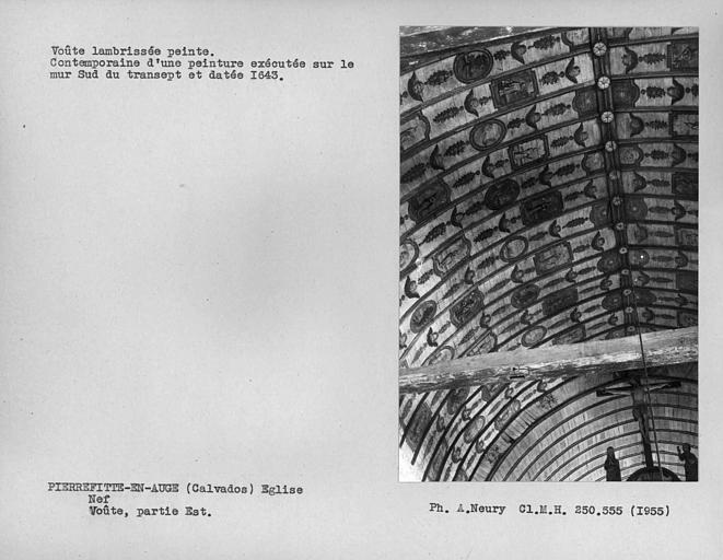 Nef, partie nord de la deuxième travée de la charpente lambrissée peinte
