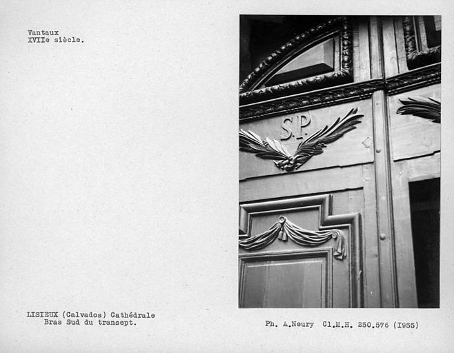 Vantaux du bras sud du transept, détail du vantail de gauche