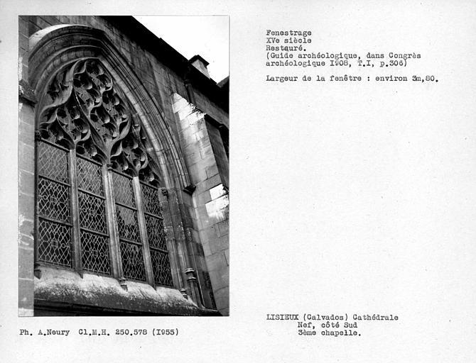 Fenestrage restauré de la troisième chapelle sud de la nef