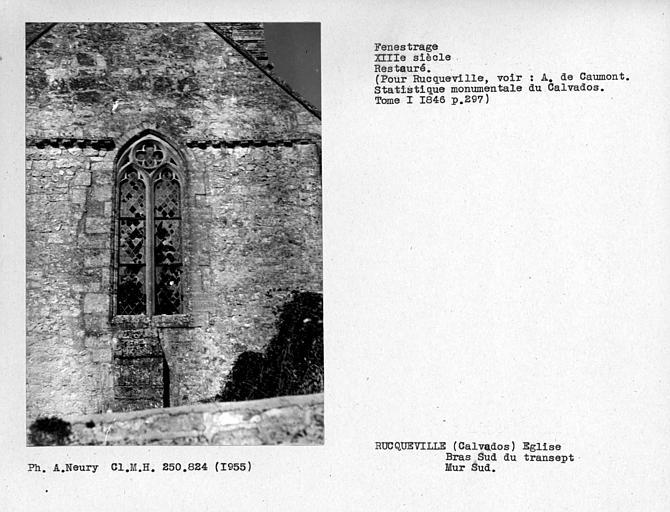 Fenestrage restauré du bras sud du transept