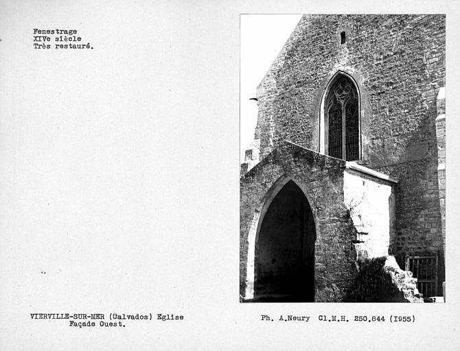 Fenestrage restauré de la façade ouest