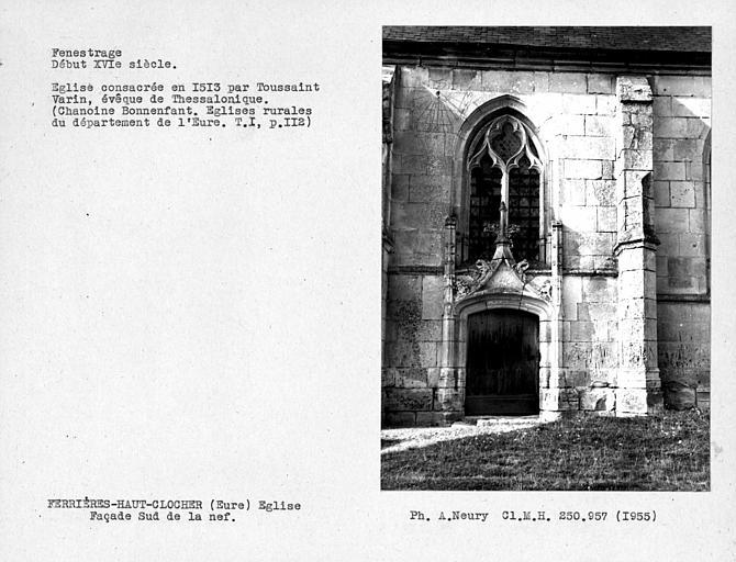 Cadran solaire, Vantail de porte et fenestrage de la façade sud de la nef