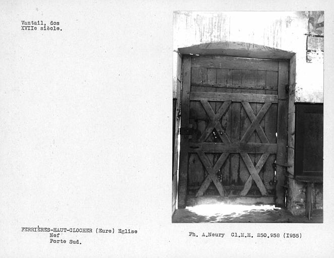 Façade sud de la nef, dos des vantaux de porte