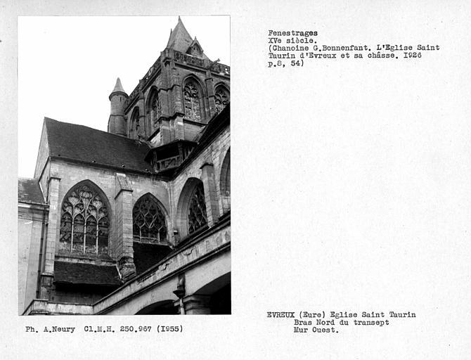 Fenestrages ouest du bras nord du transept