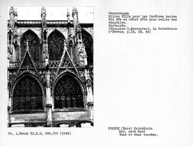 Fenestrages des troisième et quatrième travées côté nord de la nef