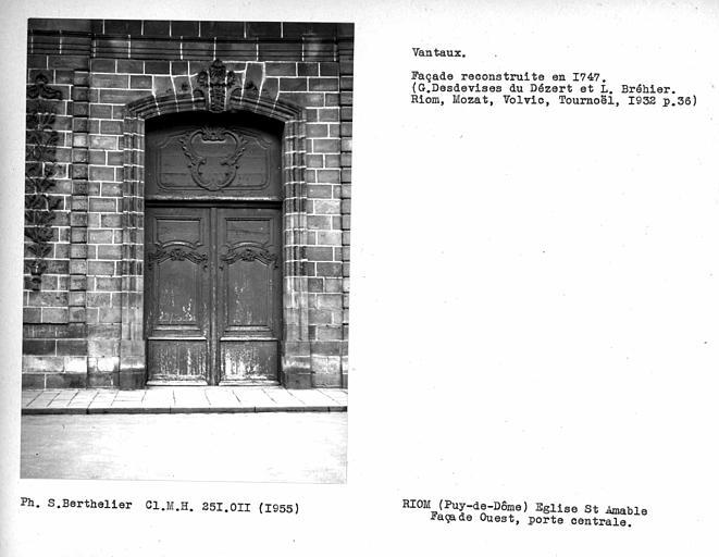 Vantail de la porte centrale de la façade ouest