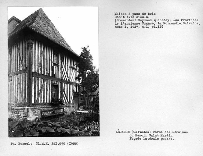 Ensemble de la façade latérale gauche en pan-de-bois