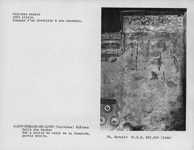 Salle des gardes, peinture murale de la partie droite du mur à droite de celui de la cheminée
